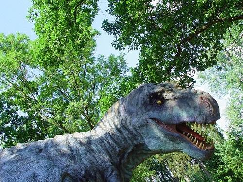 ティラノサウルス 鳴き声 鳩